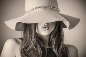 Neve carbônica | Tratamento para queda de cabelo, limpeza de pele e curso