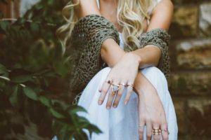 Como ganhar dinheiro revendendo bijuterias?