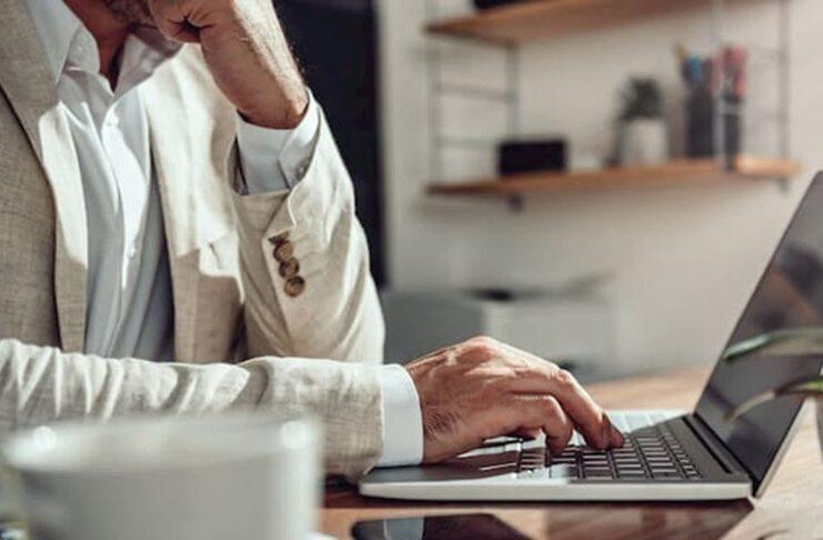 Como usar a mídia social para ganhar dinheiro e não perder tempo