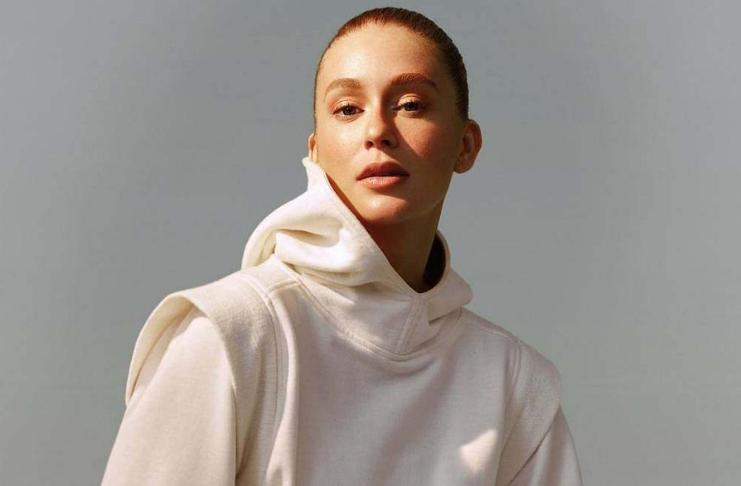 Marina Ruy Barbosa lança marca de roupa sustentável online