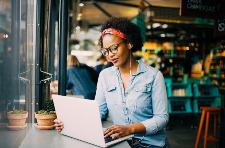 Rede Mulher Empreendedora oferece capacitação online gratuita