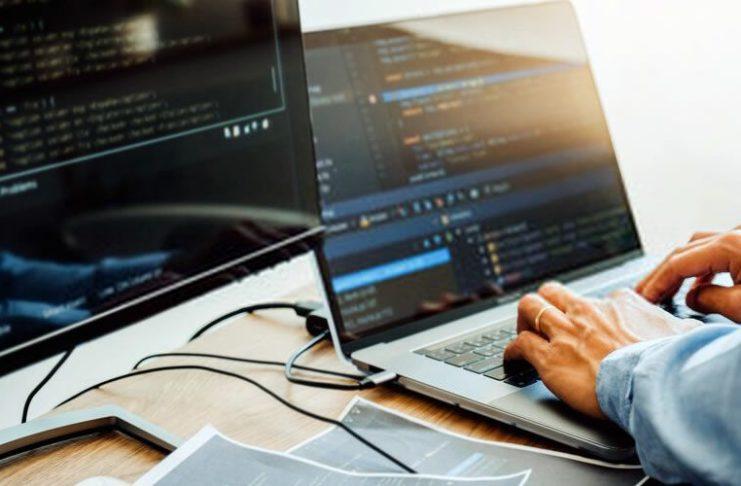 Superando a desigualdade digital por meio da codificação