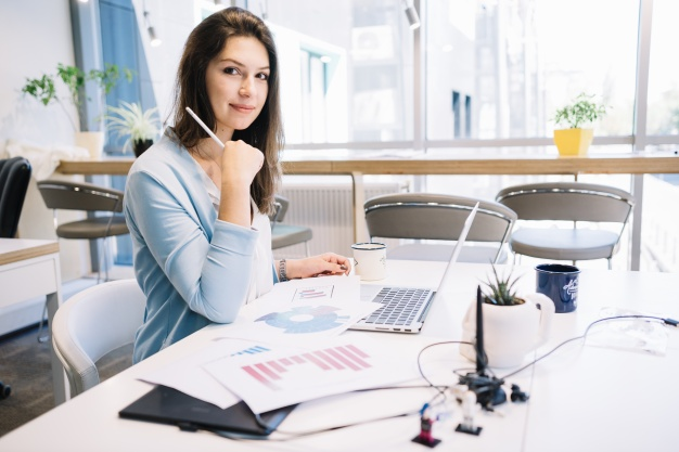 Top 10 tips to keep personal life separate from work - The Hust
